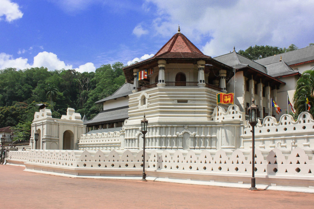 places to visit in kandy sri lanka
